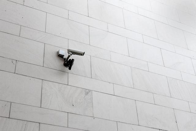 Tout savoir sur les caméras de surveillances intérieures et extérieures